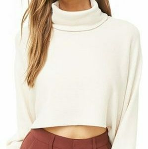 Forever 21 white cropped turtleneck sweater EUC